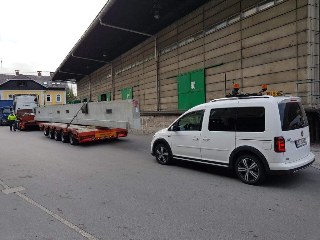 Transportation of long cargo