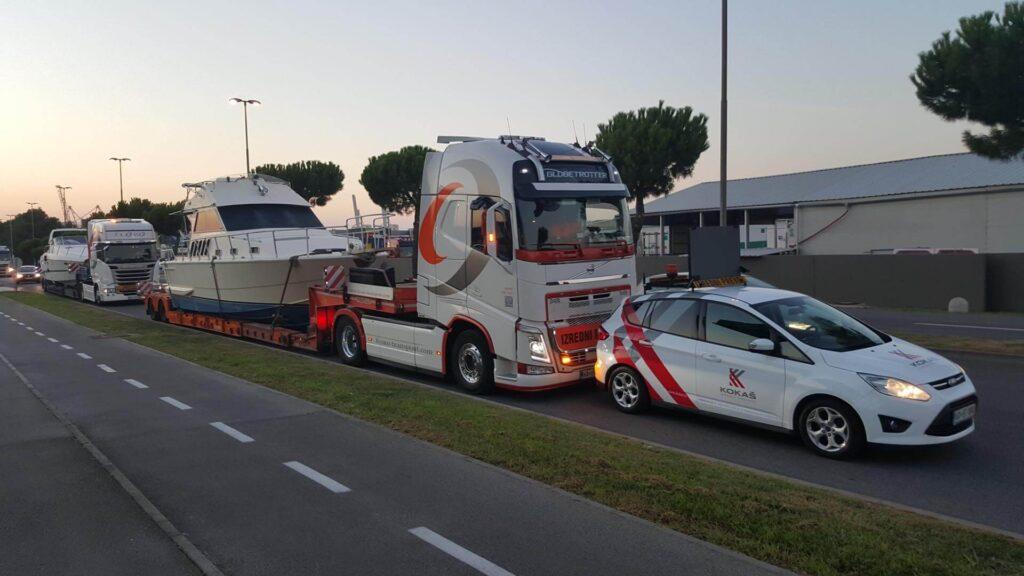 Transport von Schiffen