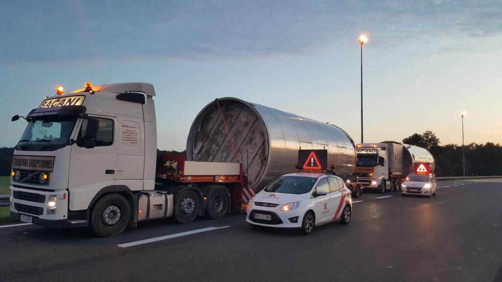 Transportation of wide cargo