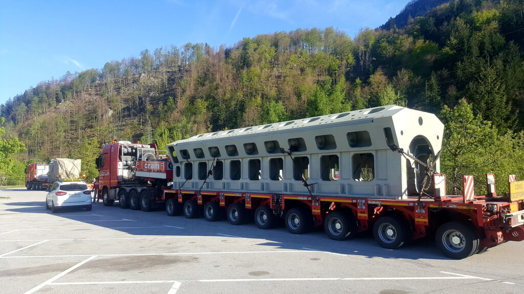 Transportation of heavy cargo